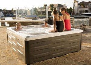 Najbolji hidromasažni bazeni dolaze iz Sundance® Spas